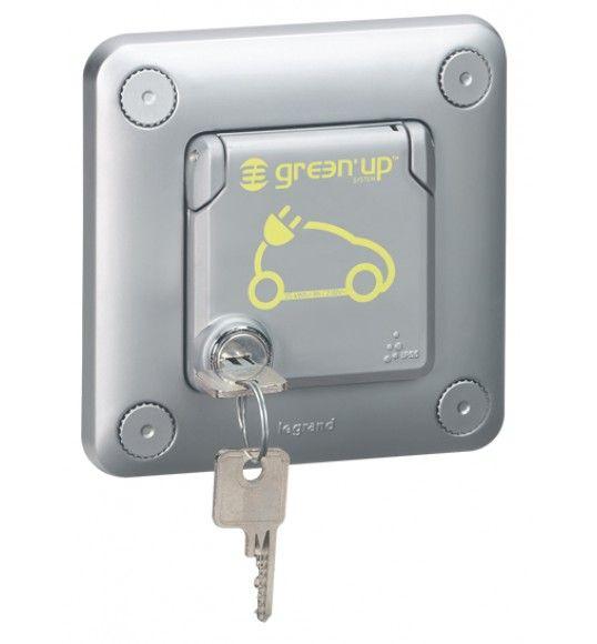 077857 IP 55 - IK 10 flush-mounting - metal socket with lock